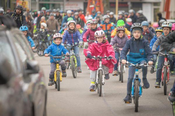 Erste Kidical Mass 2019: Kinder erobern sich die Straßen der Stadt zurück